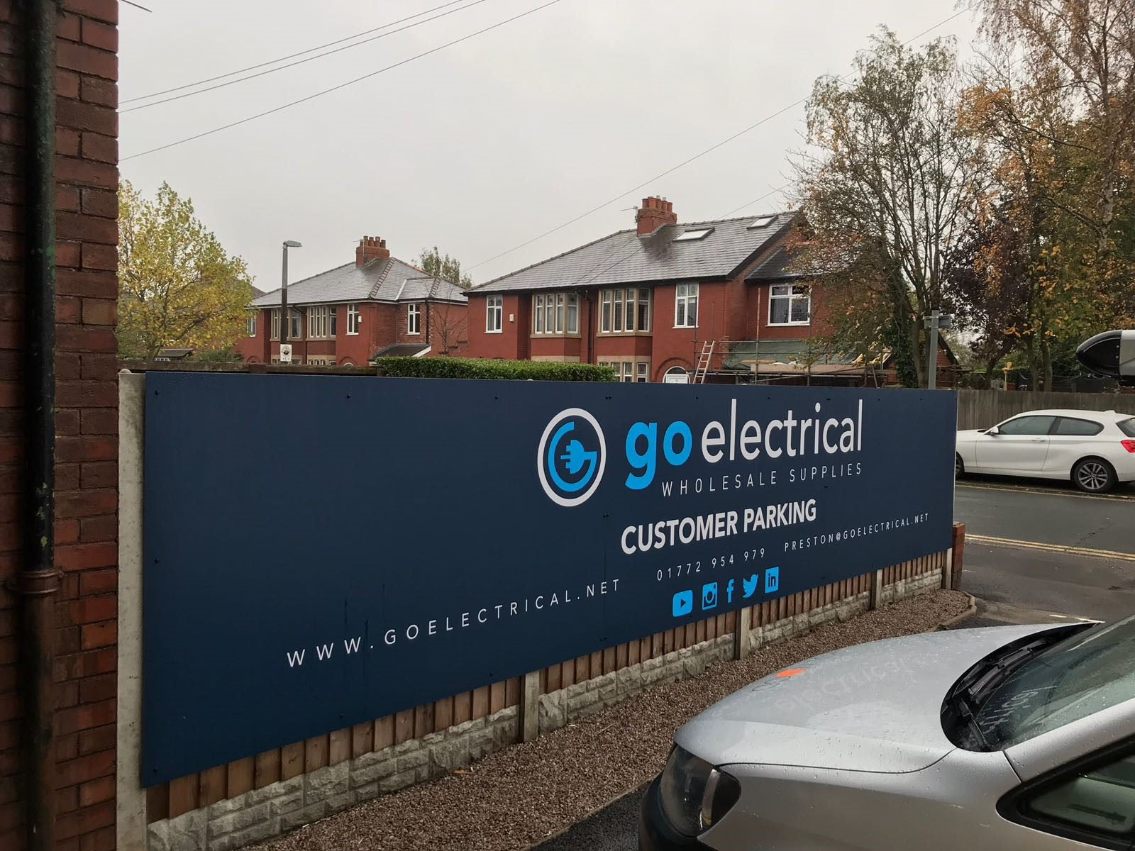 Go Electrical Windermere External Car Park Sign