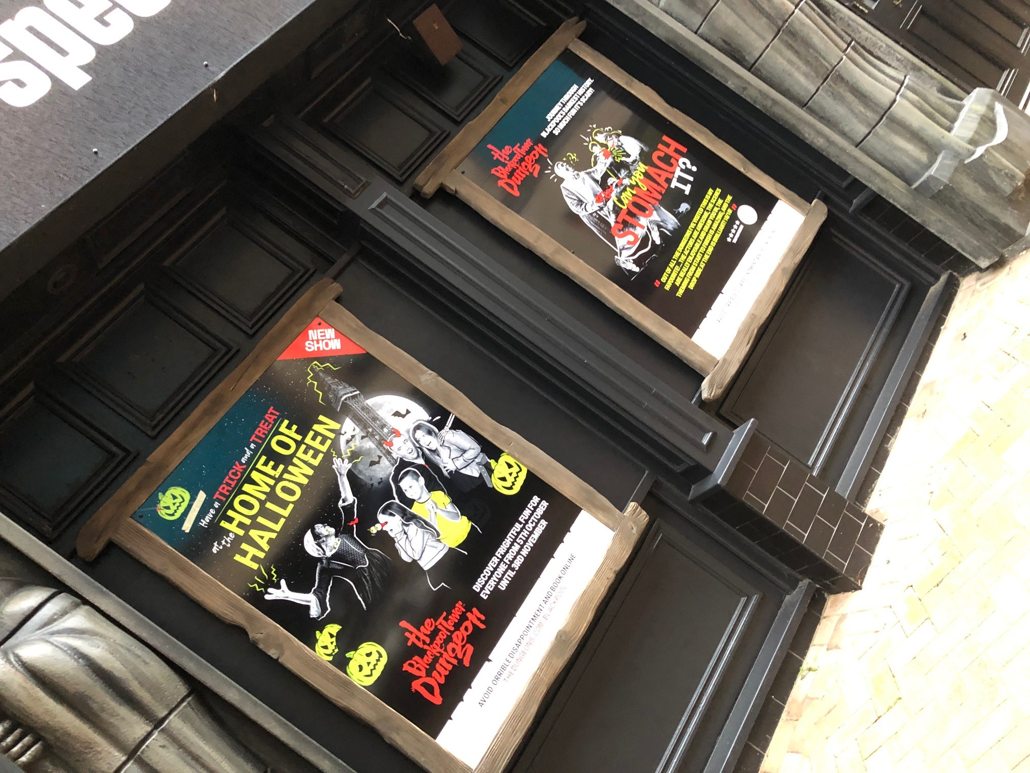 alupanel signs blackpool tower dungeons halloween